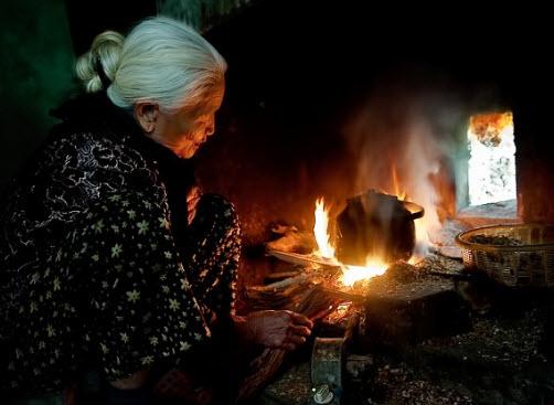 """chuyen bai tho bep lua sang van xuoi 1 - Top 10 bài văn chuyển bài thơ """"Bếp lửa"""" thành câu chuyện lớp 9 mới nhất"""