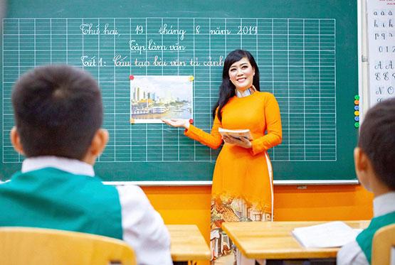 Top 10 bài văn mẫu tả thầy cô giáo mà em yêu quý