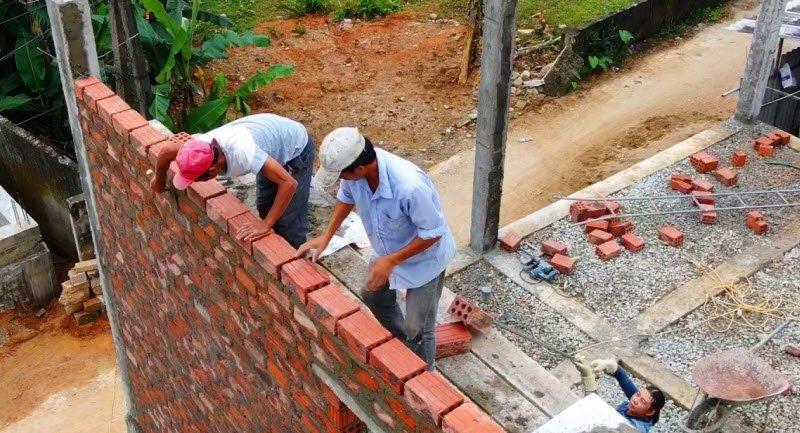 unnamed file 149 - Tả một người thợ xây đang làm việc - 3 bài văn miêu tả bác thợ xây, công nhân xây dựng đang xây dựng nhà